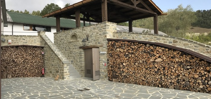 Nuova struttura in scandole di legno
